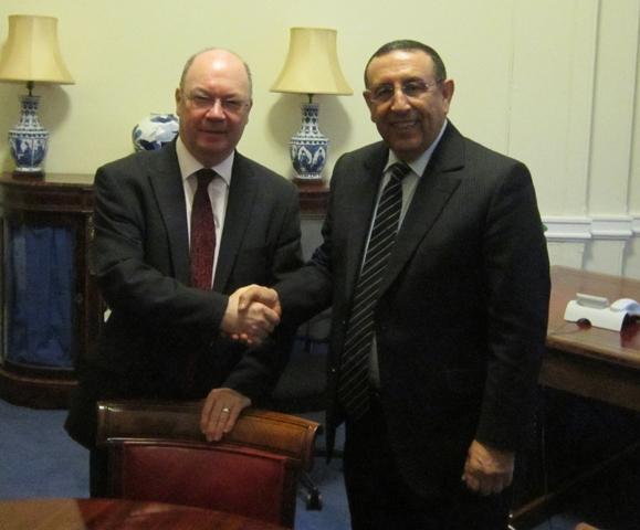 M. Youssef Amrani et M. Alistair Burt