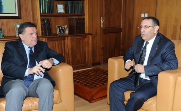 M.Amrani avec le Président de la délégation Maghreb et co-président de la commission parlementaire mixte Maroc-Union européenne, M. Pier Antonio Panzeri.