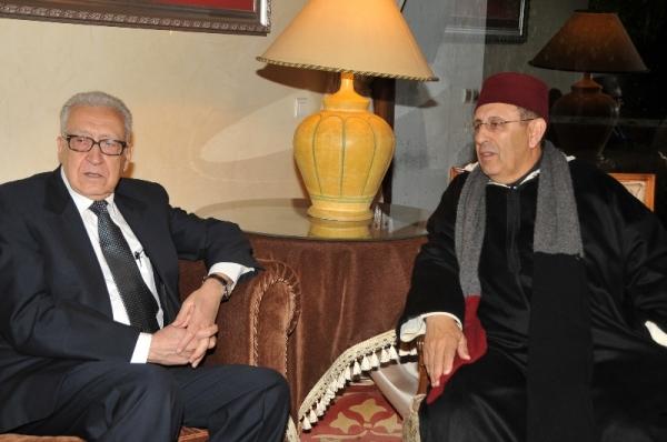 M. Amrani et l\'envoyé spécial conjoint des Nations Unies et de la ligue arabe pour la Syrie, Lakhdar Brahimi.